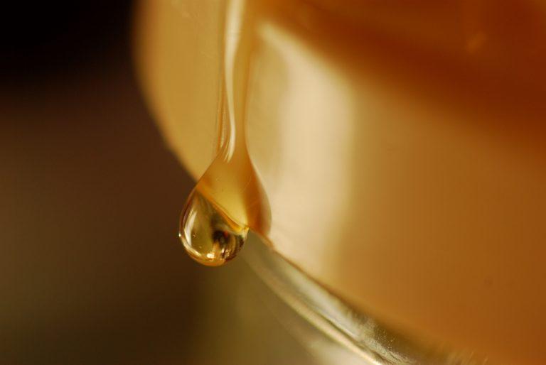 Una ricerca svela: il miele ci salverà dai superbatteri