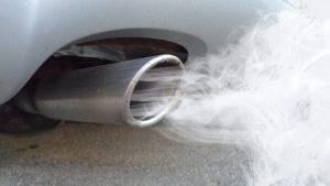 Il gas di scarico delle auto diesel aumenta il rischio di artrite?